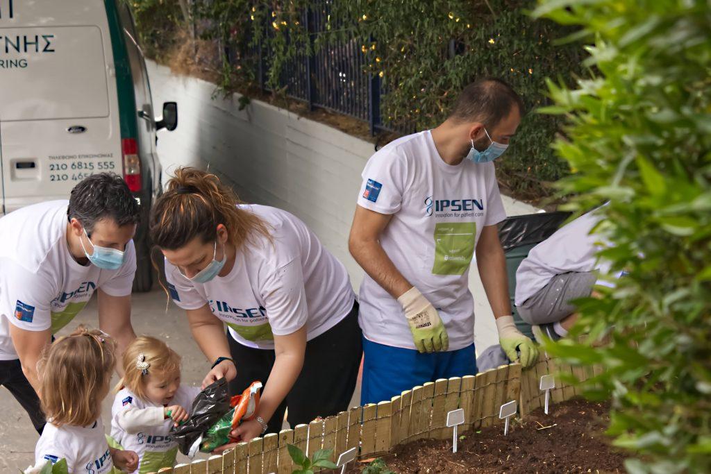 Ipsen: Εθελοντική δράση προσφοράς από τους εργαζομένους