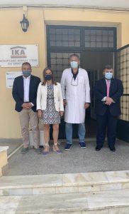 Ακολούθησε συνάντηση με τον Δήμαρχο Σύρου – Ερμούπολης, Νικόλαο Λειβαδάρα και τους Αντιπεριφερειάρχες Κυκλάδων, Γεώργιο Λεονταρίτη και Μεταφορών, Μάρκο Δαδάο με τους οποίους συζήτησε την ένταξη έργων Ψυχικής Υγείας στα σχεδιαζόμενα Περιφερειακά Επιχειρησιακά Προγράμματα 2021-2027