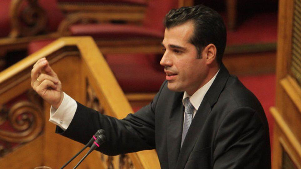 Ο Υπουργός Υγείας Θάνος Πλεύρης στη Βουλή για τις τροπολογίες και τους πλαστούς εμβολιασμούς
